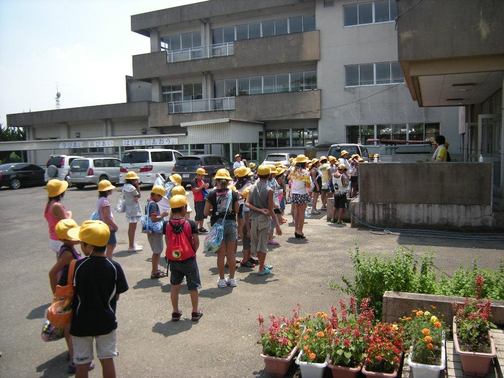 小山市立中小学校 ようこそ! あなたは、 番目の訪問者で~す。 (平成15年4月1日より) 蛍を